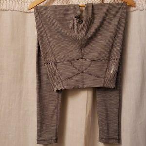Zella xs black and white striped leggings pants